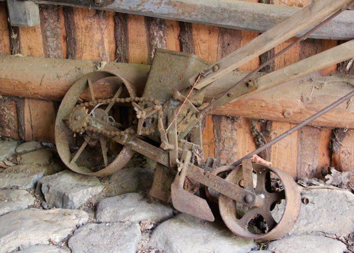 historische Aussaatmaschine
