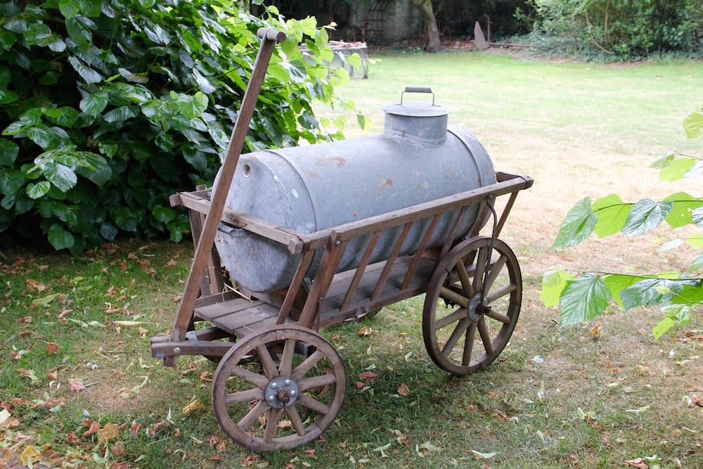 Bollerwagen mit Wassertank