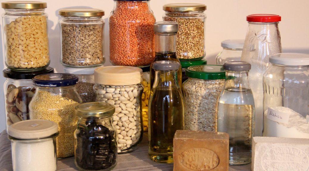 Unverpackt-Starterset mit Linsen, Nüssen, Öl, Seifen , Natron usw.
